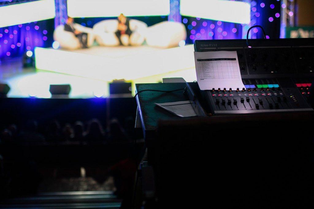 talk show 1149788 1280